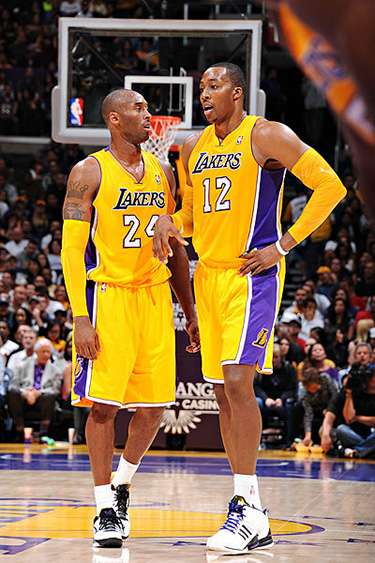 Dwight Howard playing with the LA Lakers